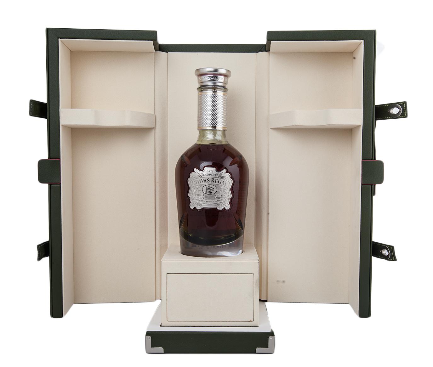 Шотландский виски Chivas Regal The Icon Виски Чивас Ригал Айкон в п/у