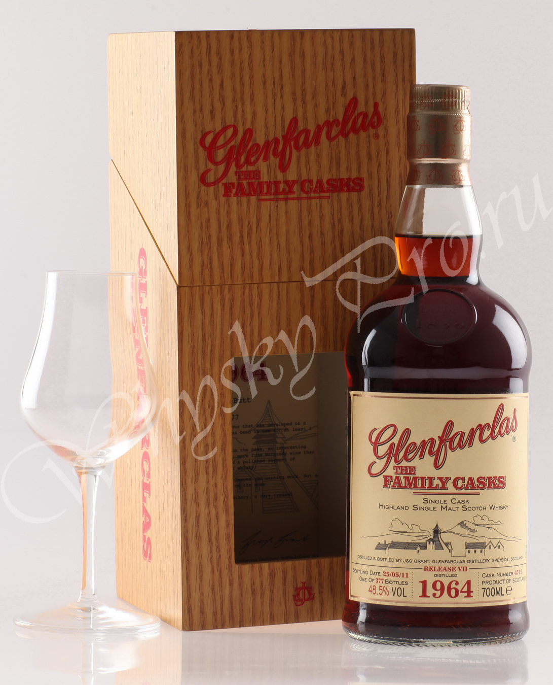 Виски Гленфарклас Фэмэли Каскс 1964г Шотландский виски Glenfarclas Family Casks 1964